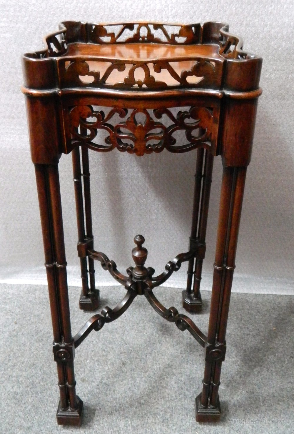 Mahogany Chippendale Style Urn Stand Antiques Atlas