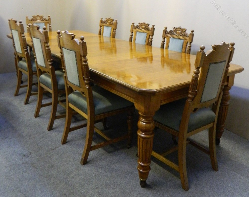 Oak extending dining table 8 chairs antiques atlas for Good dining table sets