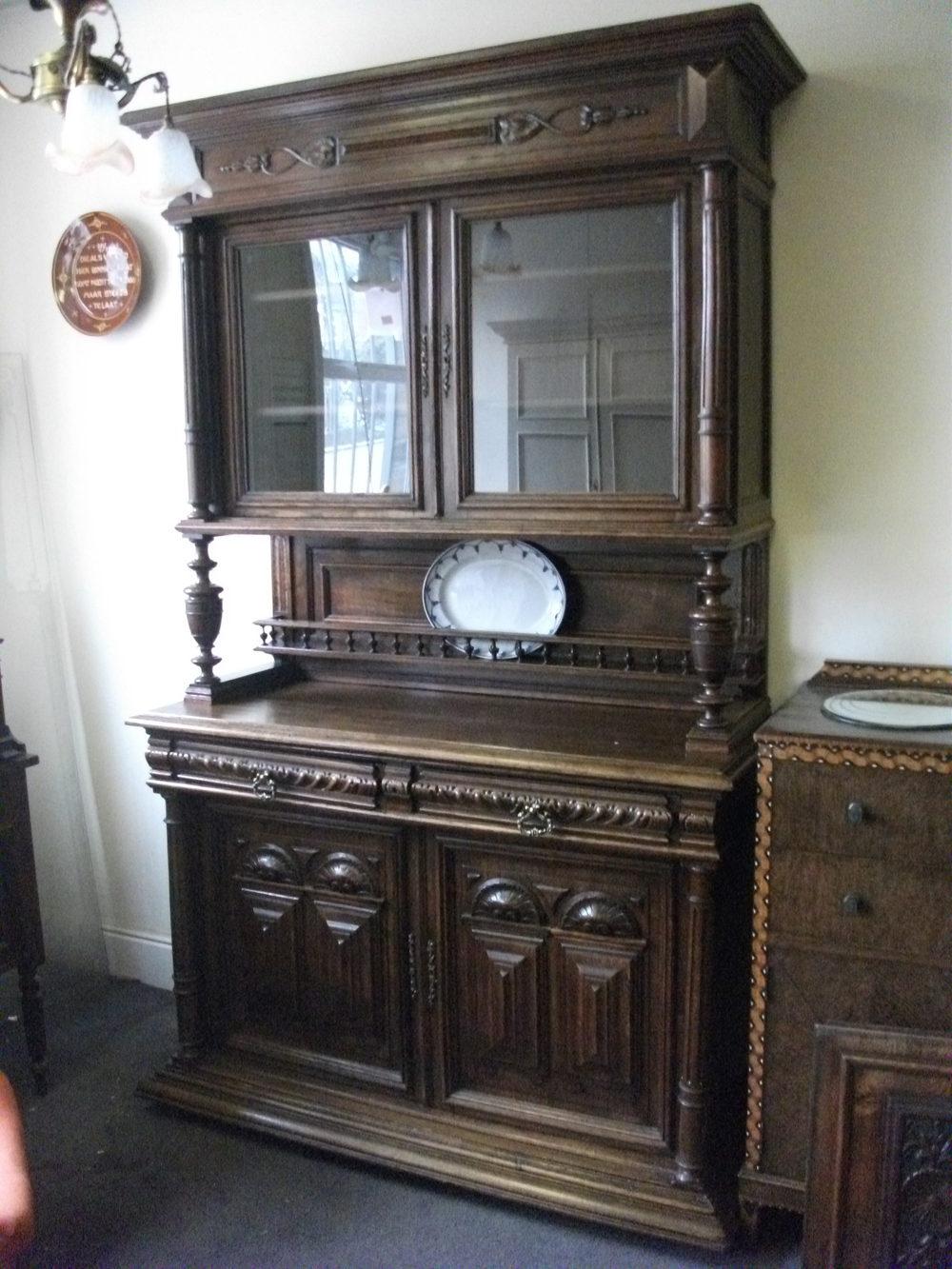 Carved oak belgian cabinet antiques atlas for Carved kitchen cabinets