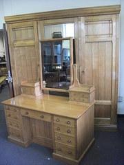 Antique bedroom suites sold antiques atlas for Bedroom furniture leeds