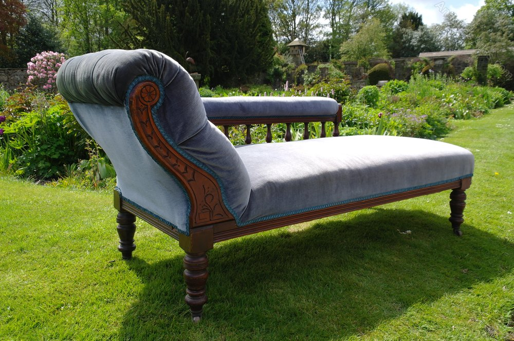 Victorian chaise lounge antiques atlas for Antique chaise lounge furniture