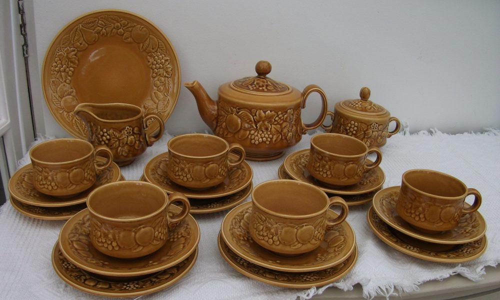 Antiques Atlas Retro Royal Worcester Crown Ware Tea Set