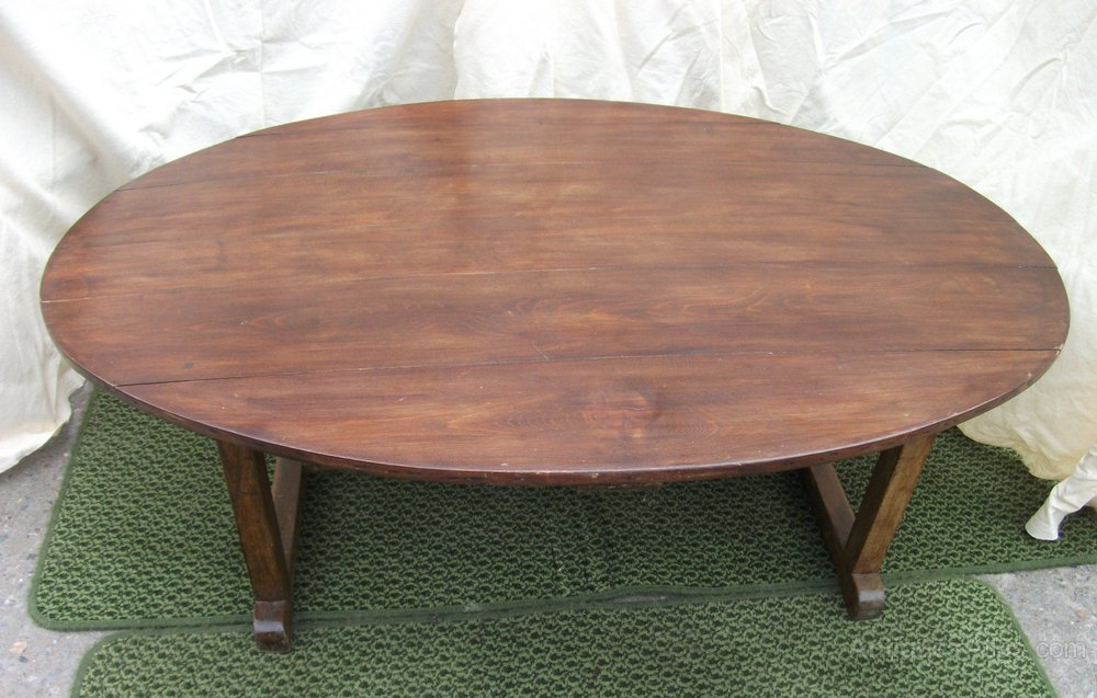 Late Victorian Oval Topped Coffee Table Antiques Atlas