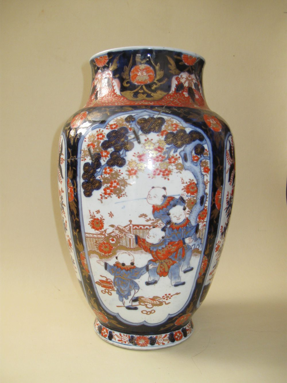 Antiques Atlas Huge18th Century Chinese Imari Vase