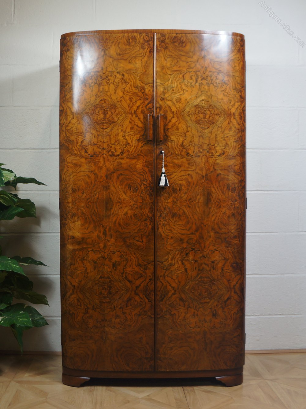 Gentlemans C1930s Art Deco Odeon Wardrobe Antiques Atlas
