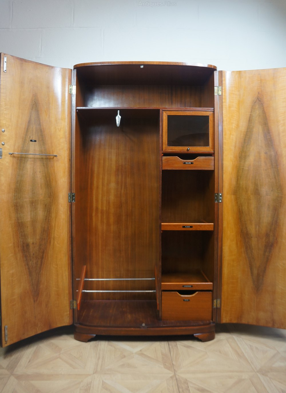 Gentlemans C1930s Art Deco Odeon Wardrobe - Antiques Atlas