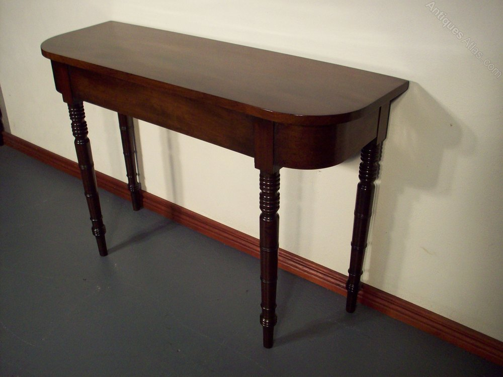 excellent victorian mahogany hall side table standing on ring turned