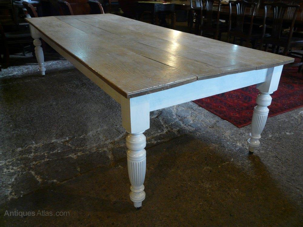 Oak farmhouse kitchen dining table antiques atlas for Farmhouse dining table