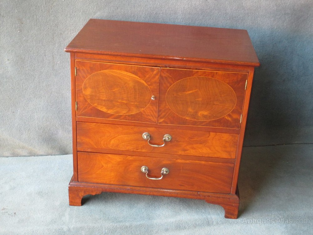 Small Mahogany Chest Of 2 Doors And 2 Drawers Antiques Atlas