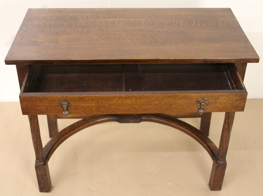 Arts and crafts period oak side table antiques atlas for Arts and crafts side table