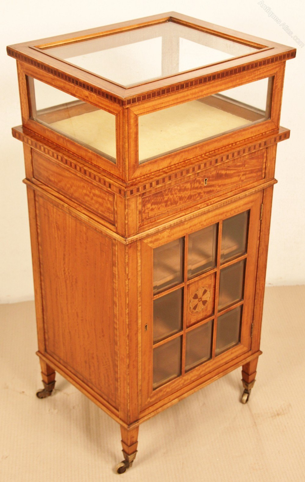 Fine quality satinwood bijouterie cabinet antiques atlas for Quality cabinets
