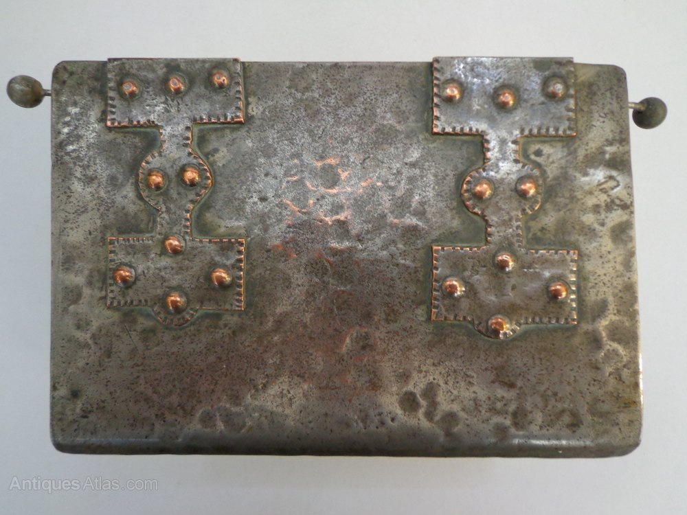Antiques atlas arts crafts metal box for Metal arts and crafts