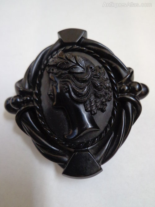 Antiques Atlas Victorian Whitby Jet Brooch