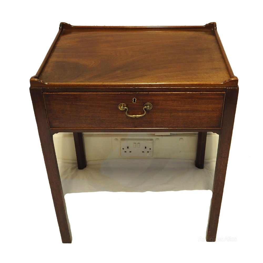 Fine george 3rd mahogany low side table antiques atlas for Low end table