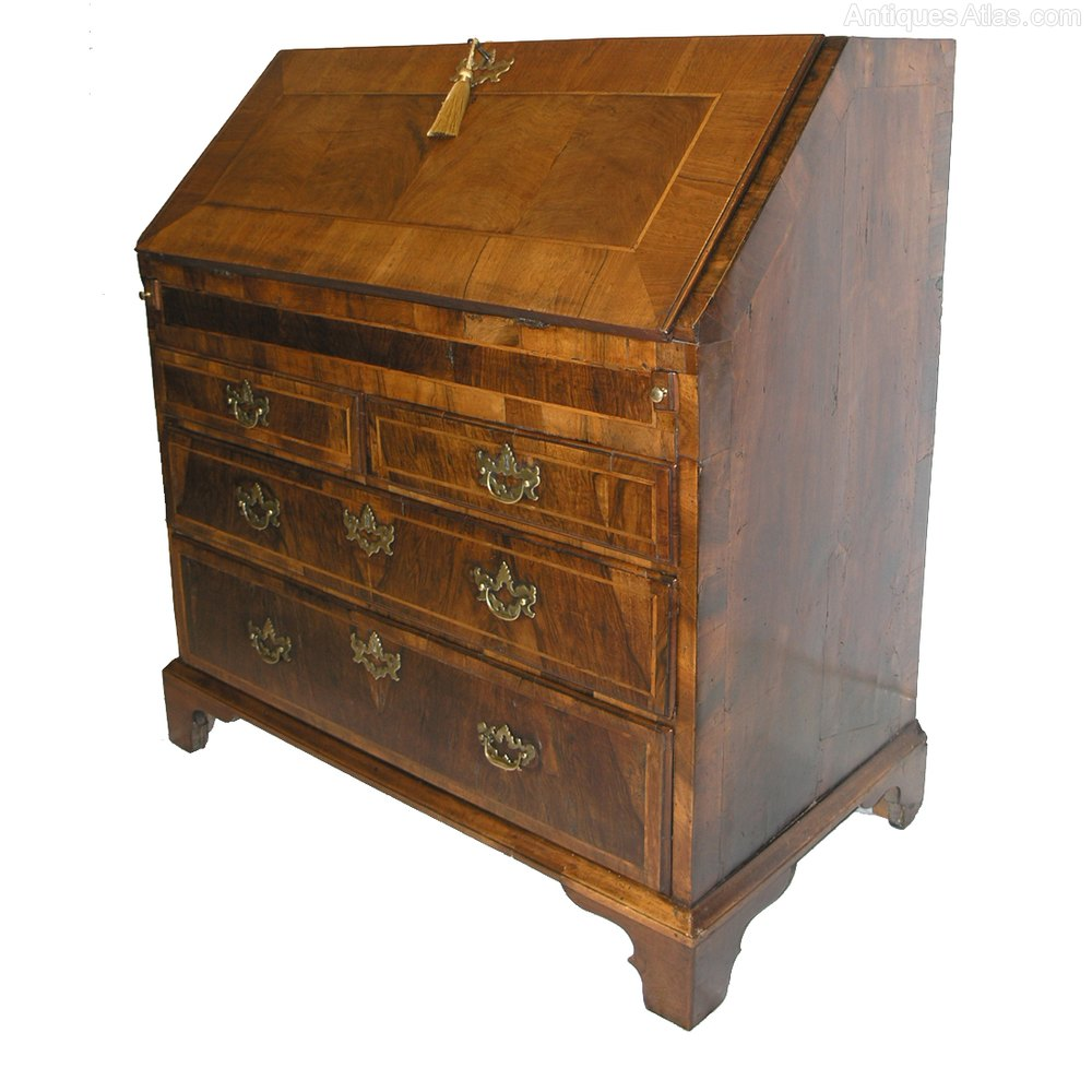 queen anne walnut bureau with shaped interior antiques atlas. Black Bedroom Furniture Sets. Home Design Ideas