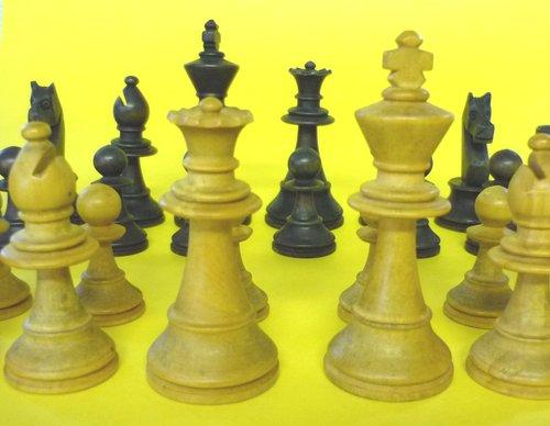 Wooden Chess Set Plans a Staunton Wooden Chess Set