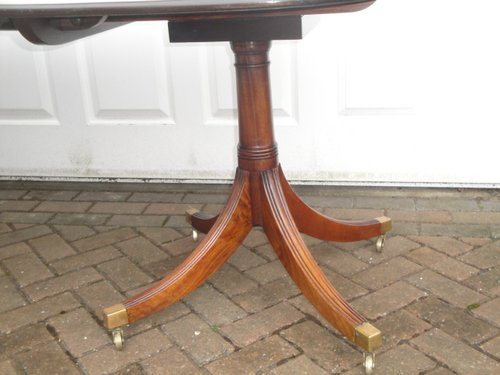 Vintage Mahogany Extending Dining Table