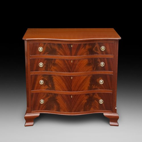 Early 20thC Mahogany Serpentine Chest of Drawers