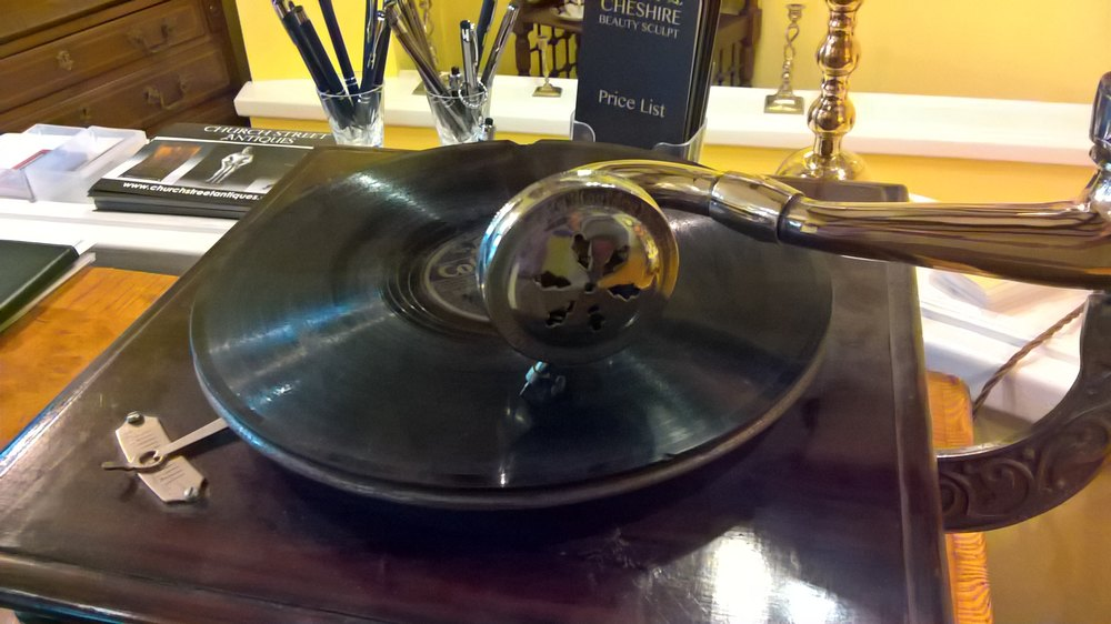Antiques Atlas His Master 39 S Voice Wind Up Gramophone