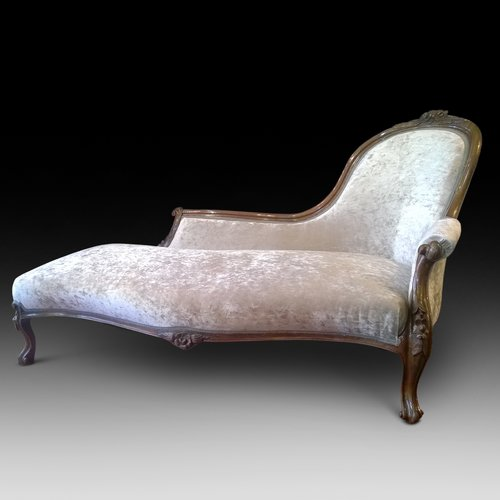 Victorian walnut chaise longue antiques atlas for Antique victorian chaise longue