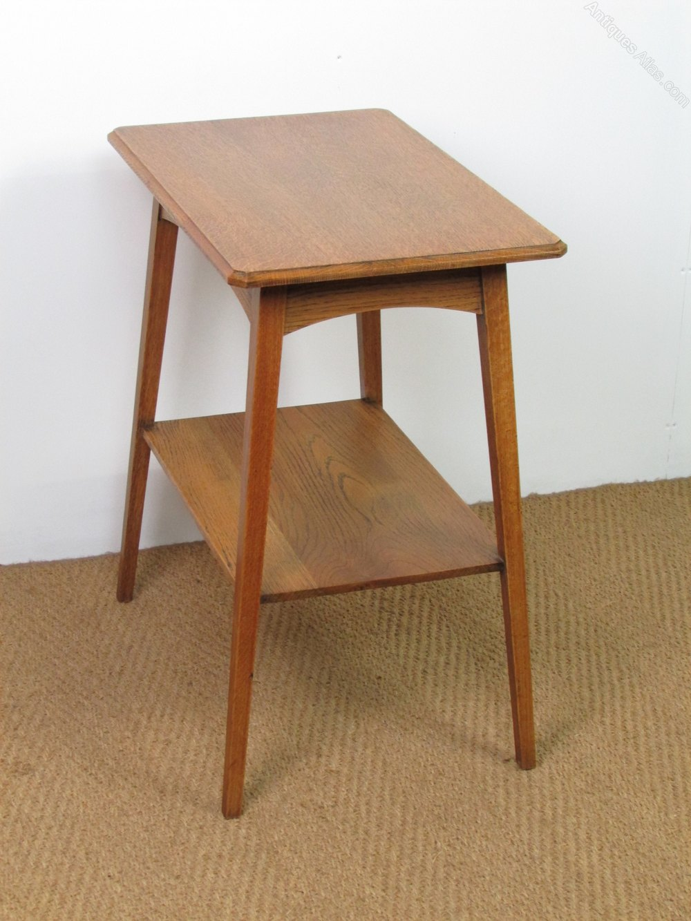 Arts crafts oak side lamp table antiques atlas for Side lamp table