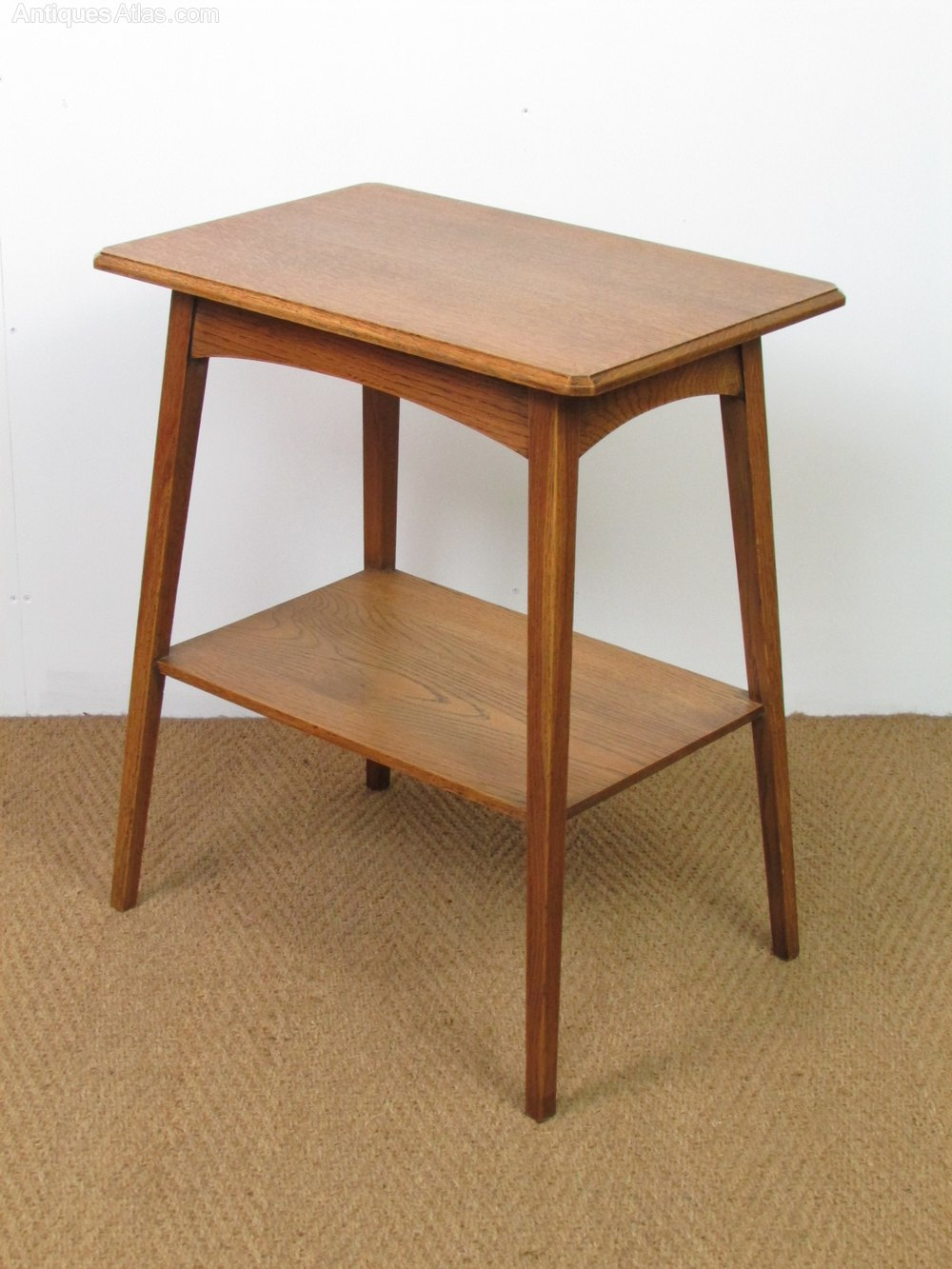 Arts crafts oak side lamp table antiques atlas for Side and lamp tables