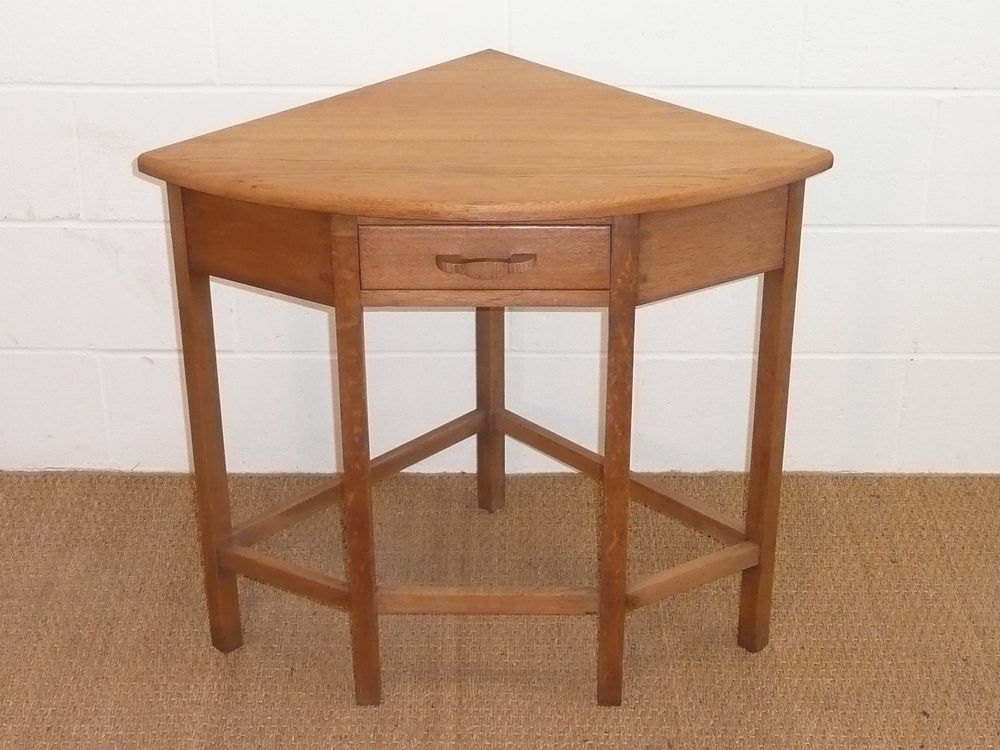Cotswold style oak corner side hall table antiques atlas for Corner side table