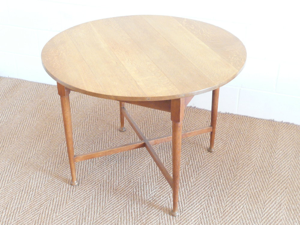 Heal 39 s oak breakfast dining table antiques atlas - Heals dining table ...