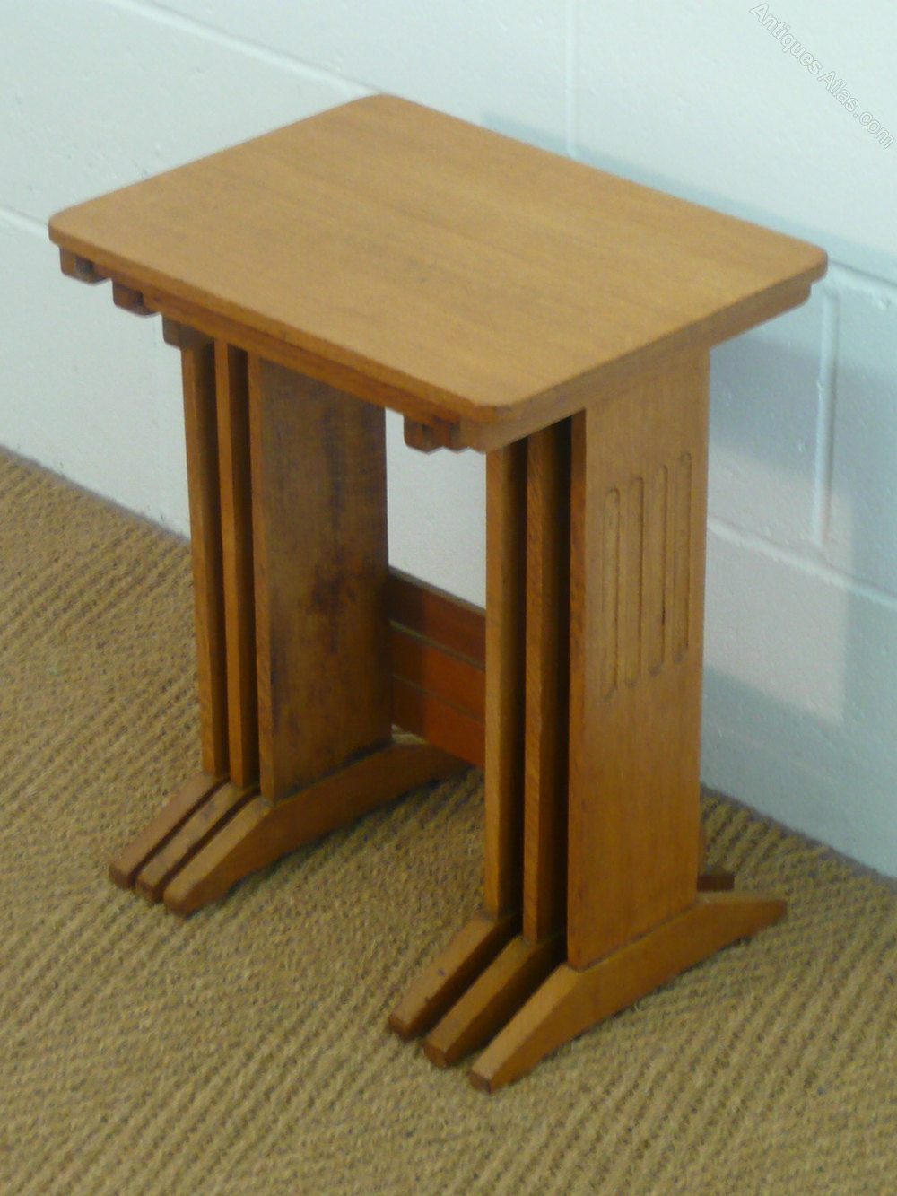 dating oak tables Antique tables for sale from dining tables, to kitchen, farmhouse, side or occasional tables from antiques world in victorian oak, mahogany & pine.