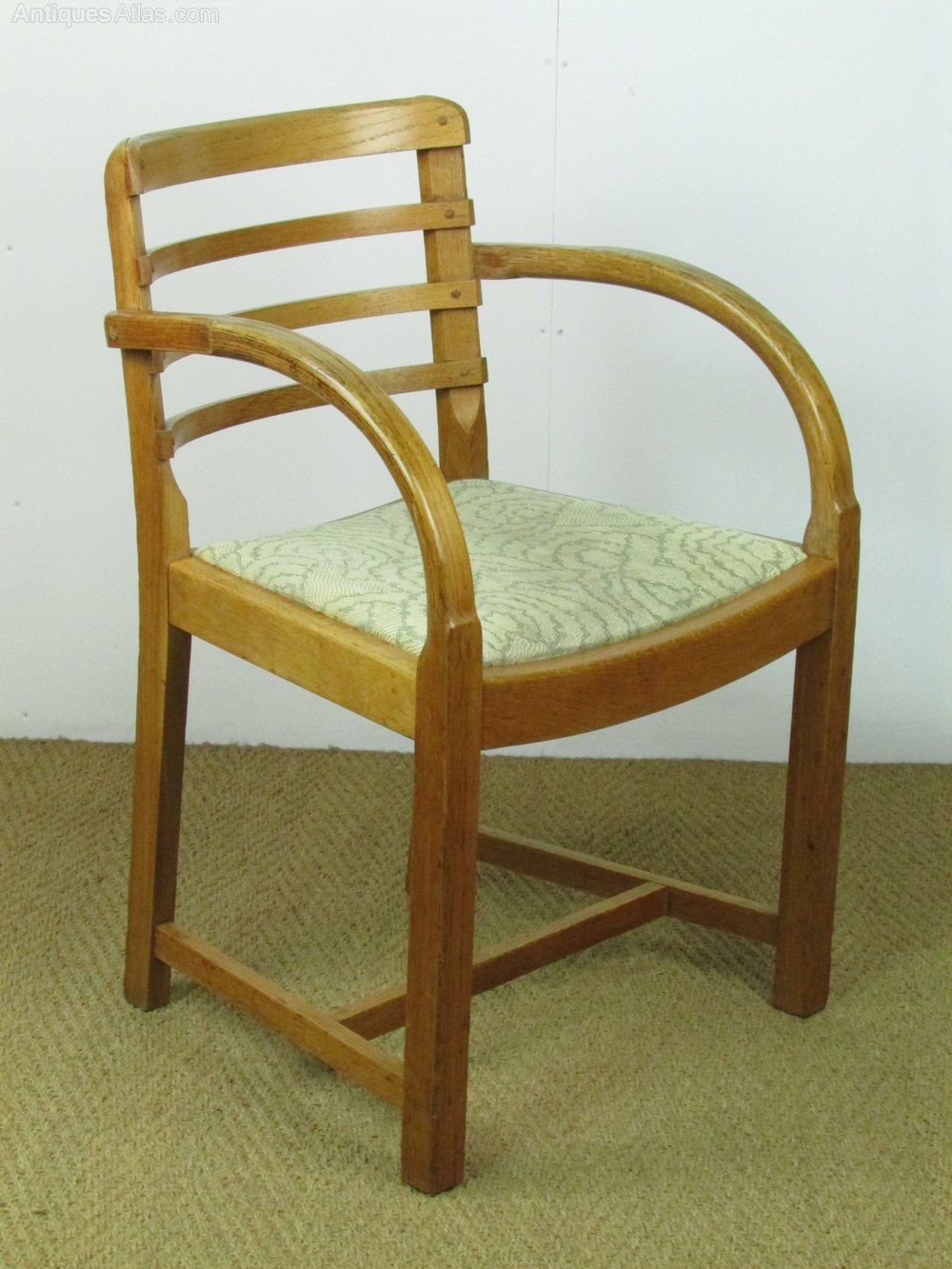 Pair Of Heal's Oak Armchairs - Antiques Atlas