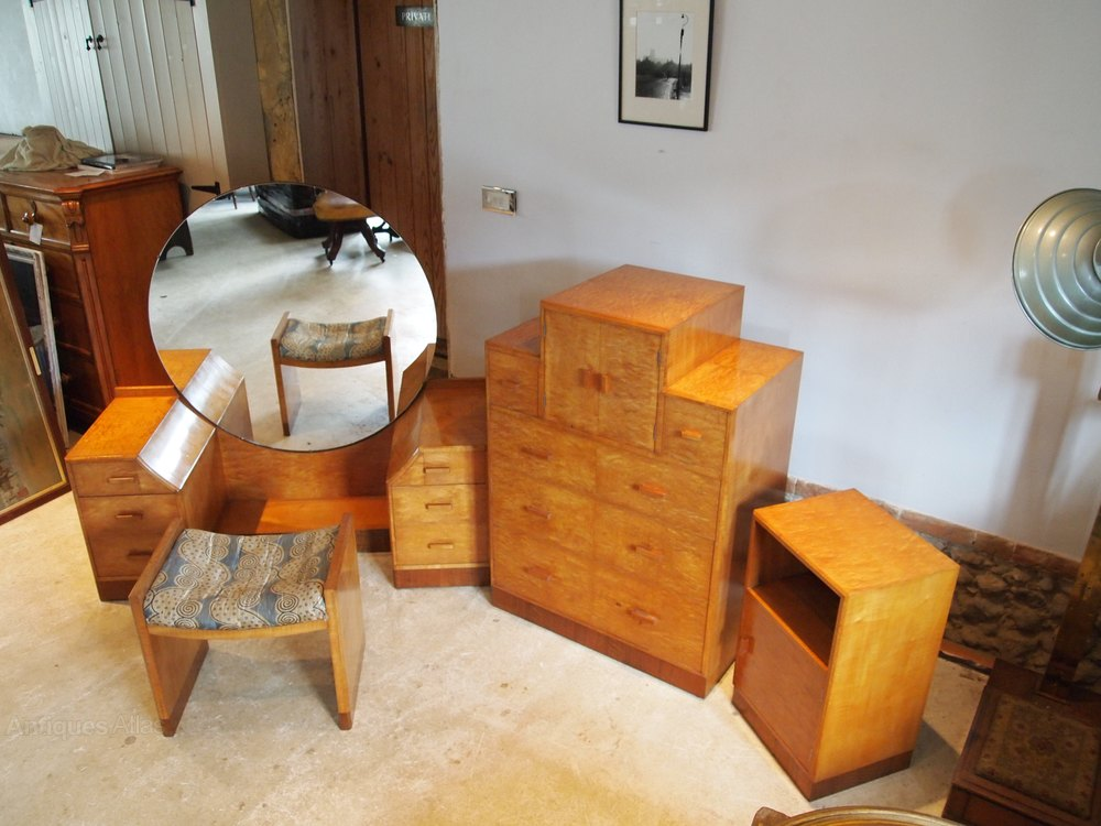art deco betty joel bedroom suite fine maple antiques atlas. Black Bedroom Furniture Sets. Home Design Ideas