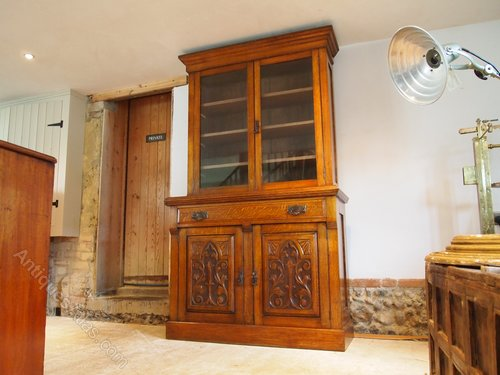 bookcase display arts and crafts oak c1900 antiques atlas. Black Bedroom Furniture Sets. Home Design Ideas