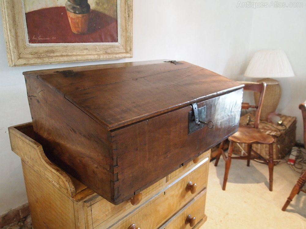 antiques atlas box bible box queen anne elm working lock and key. Black Bedroom Furniture Sets. Home Design Ideas