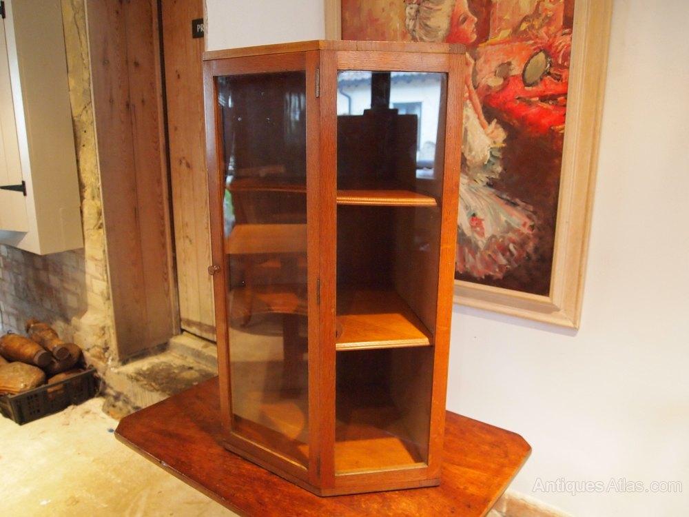 cabinet corner display arts and crafts cotswold antiques atlas. Black Bedroom Furniture Sets. Home Design Ideas