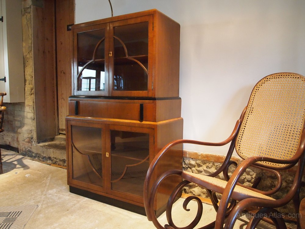 cabinet display drinks art deco walnut c1930 antiques atlas. Black Bedroom Furniture Sets. Home Design Ideas