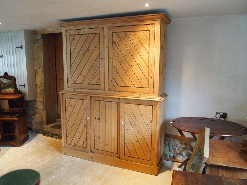cupboard pantry victorian housekeepers cupboard antiques atlas. Black Bedroom Furniture Sets. Home Design Ideas