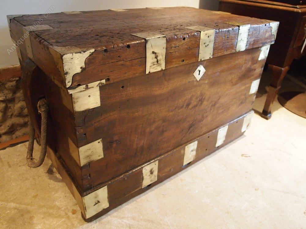 Seamans chest blanket box coffee table rare c1810 for Seamans furniture