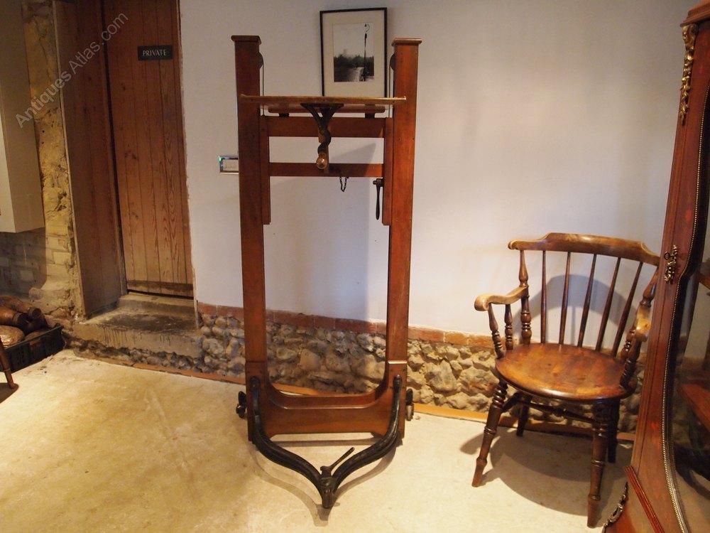 cloverleaf home interiors cloverleaf home interiors browse antiques cloverleaf home interiors. Black Bedroom Furniture Sets. Home Design Ideas