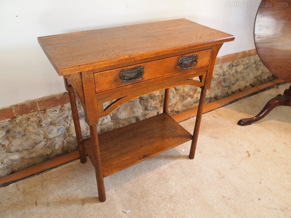 Table rare arts and crafts oak hall console table for Arts and crafts sofa table