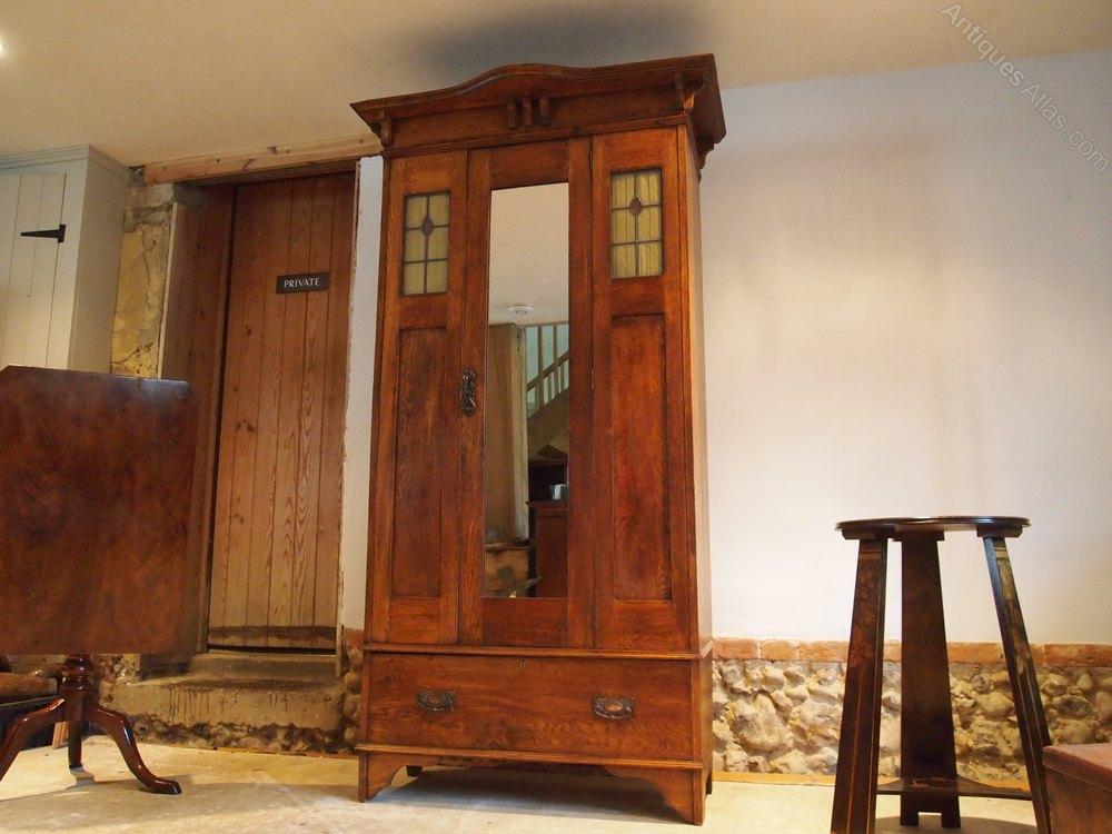 wardrobe arts and crafts single oak c1900 antiques atlas. Black Bedroom Furniture Sets. Home Design Ideas