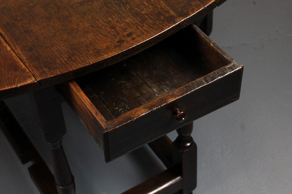 18th c oak gateleg table antiques atlas - Gateleg table with drawers ...