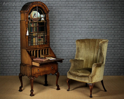 early 20th c queen anne style bureau bookcase c 1. Black Bedroom Furniture Sets. Home Design Ideas