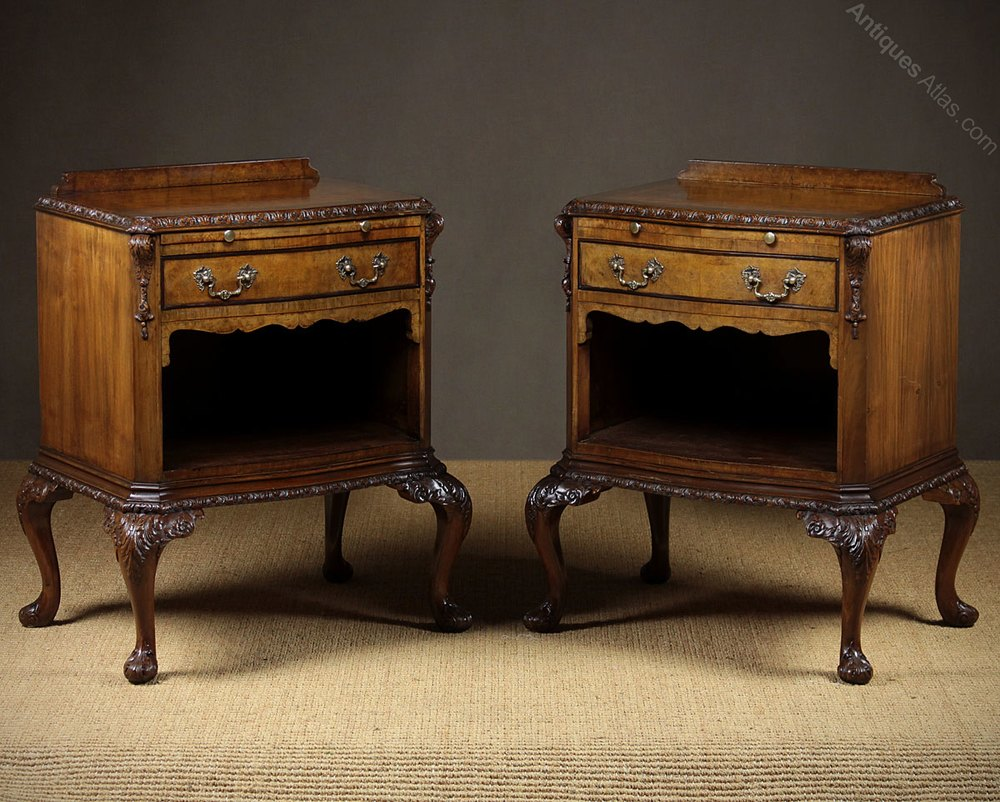 Early 20th C Suite Of Bedroom Furniture