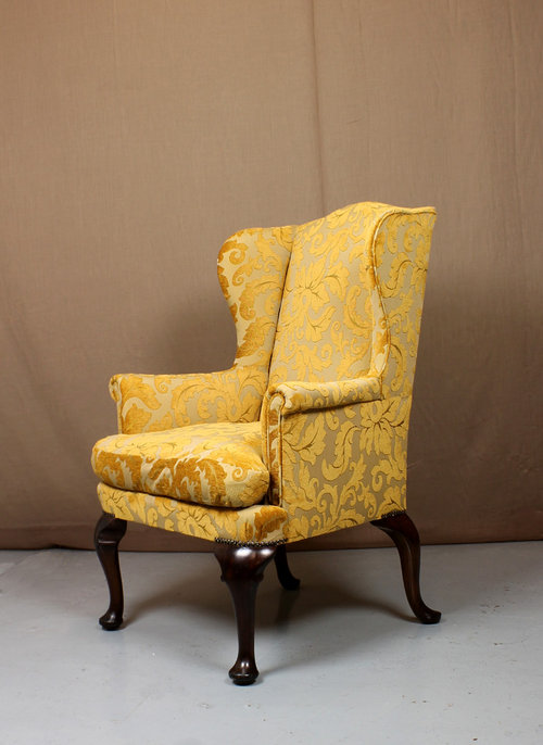 Queen Anne Sofa & Armchair - Antiques Atlas