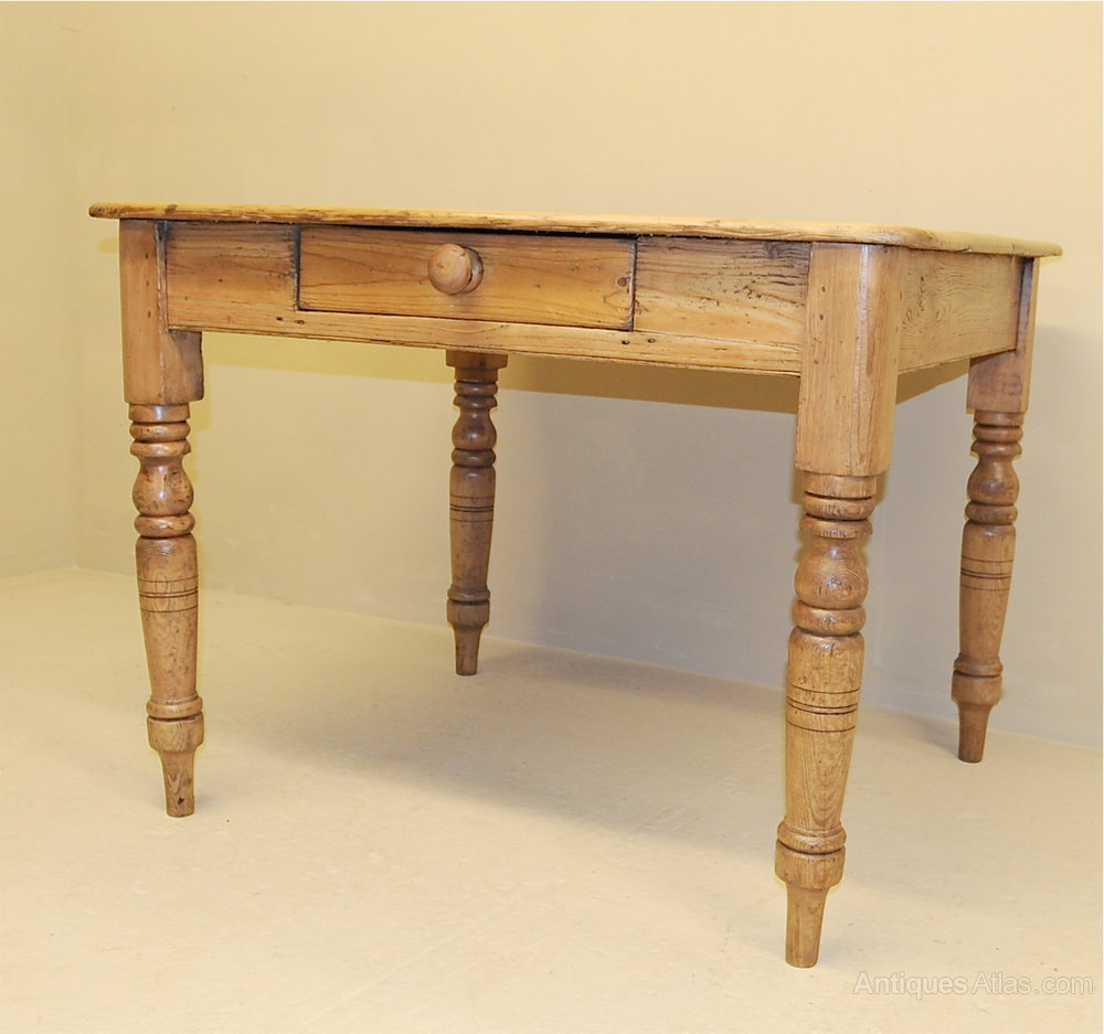 Antique Kitchen Tables: Small Pine Kitchen Table