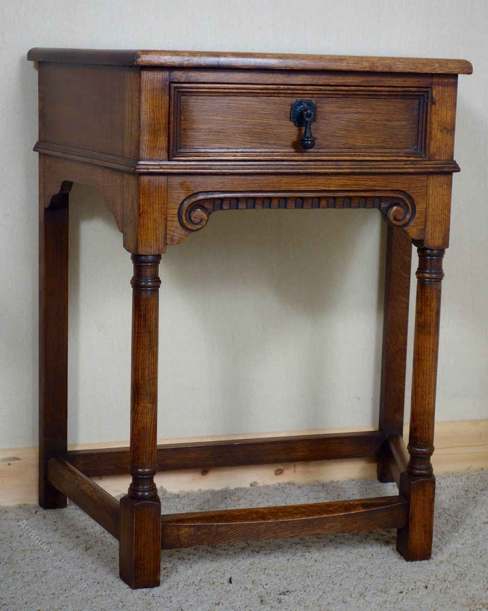 Antiques atlas small oak side table with drawer