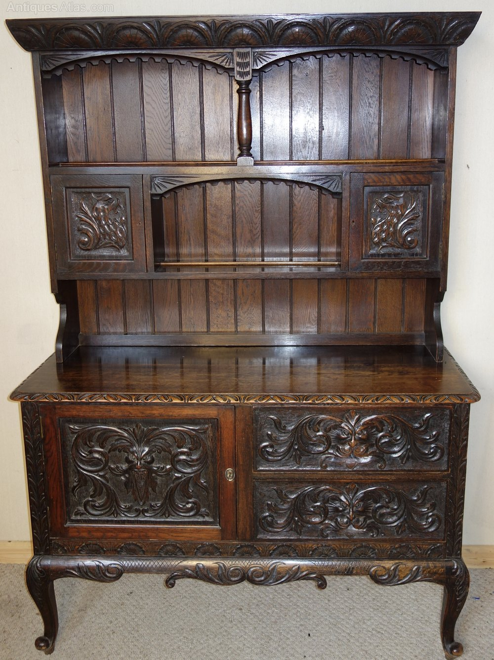 Victorian carved oak dresser antiques atlas for Victorian furniture