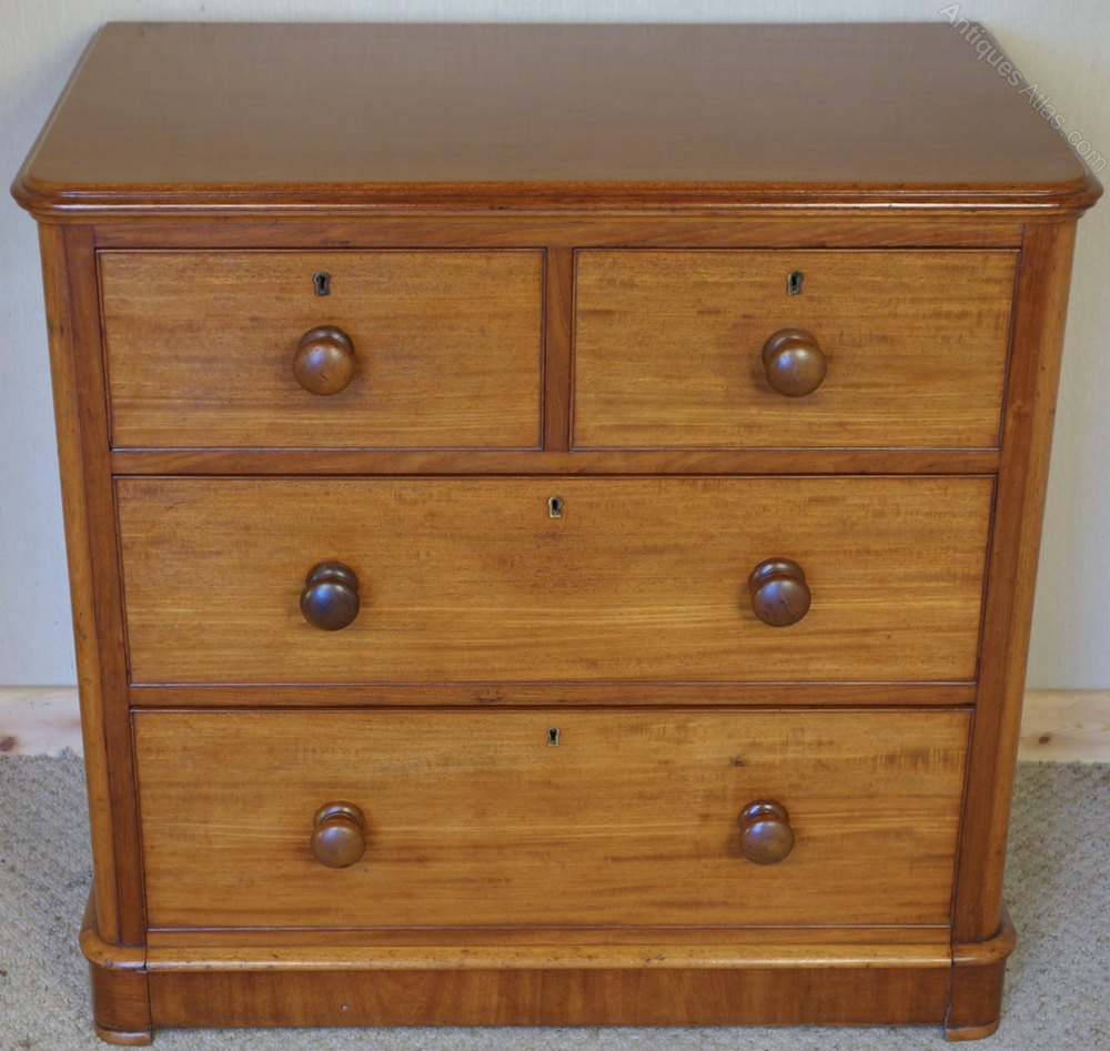 dating an old dresser Enter your e-mail address to receive a free download of the furniture identification section from warman's antiques & collectiblesyou'll also be signed up to receive e-newsletters from antique trader and partners.