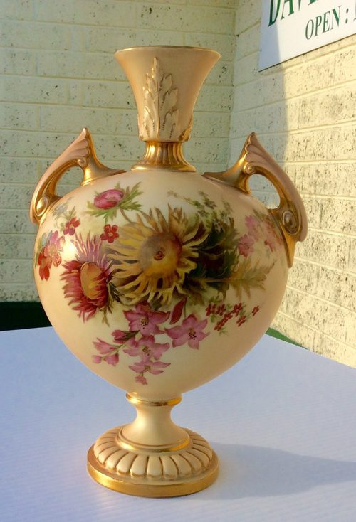 Royal worcester antiques