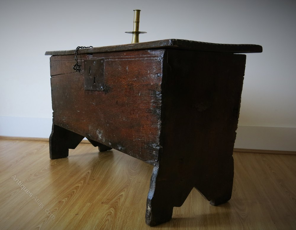Late Small Elizabethan Boarded Oak Chest C1600 Antiques